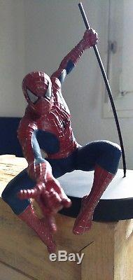 Spider-man Wood Box Ultimate Rare With Attakus Statue